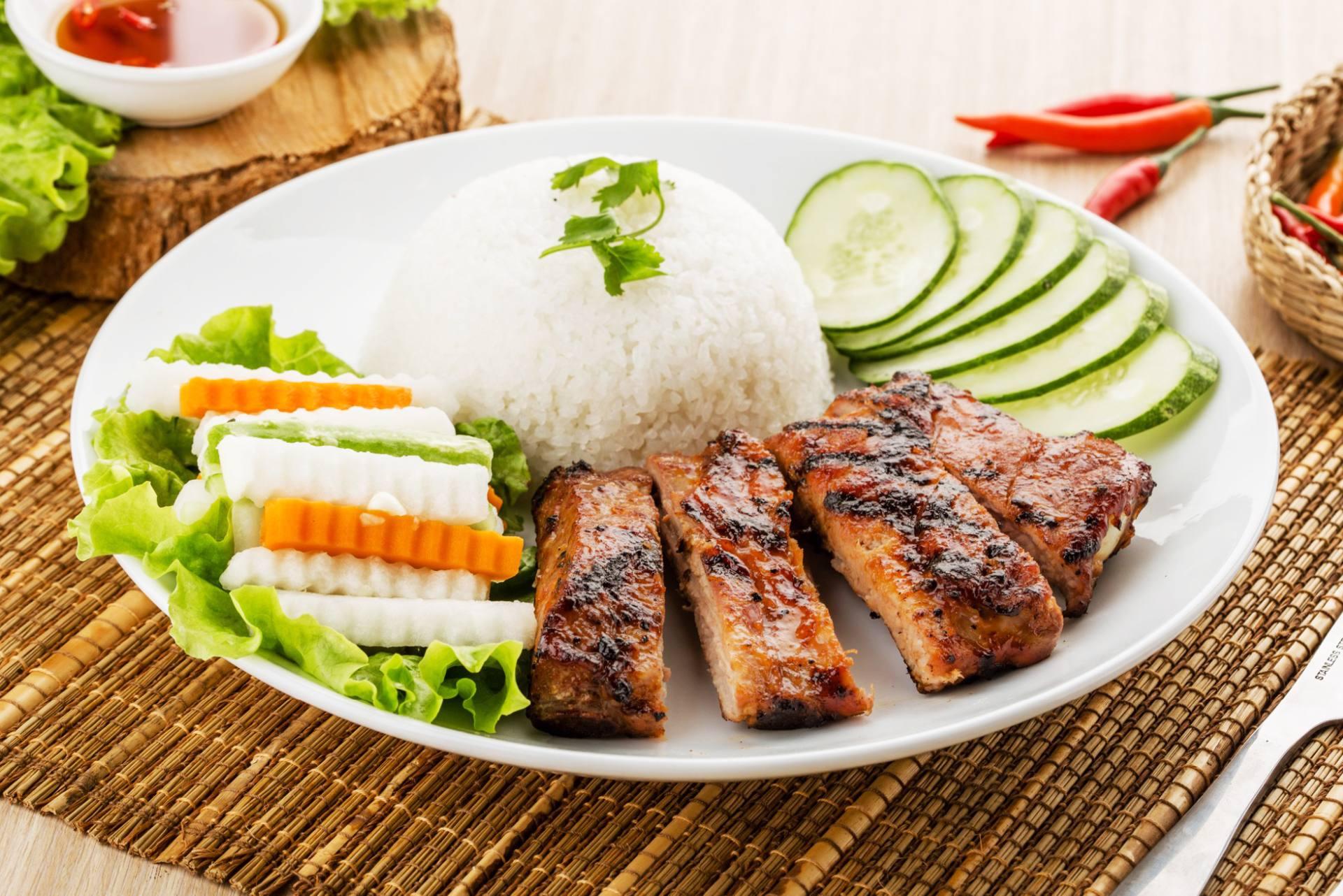 Pho Bac Hoa Viet Stockton 55 Charbroiled Pork Chop Over Rice Cơm Sườn Nướng Ineons